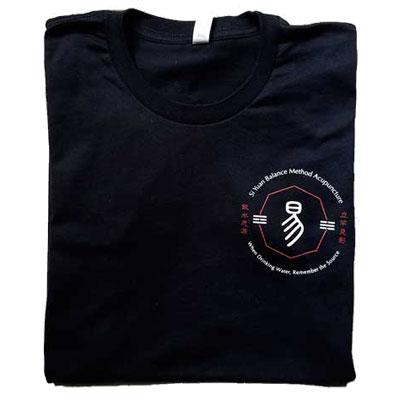 tshirt-noir-avant